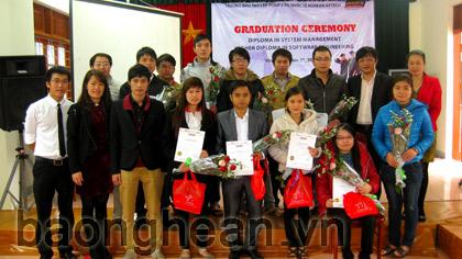 Nghean-Aptech trao bằng tốt nghiệp chương trình đào tạo Lập trình viên quốc tế