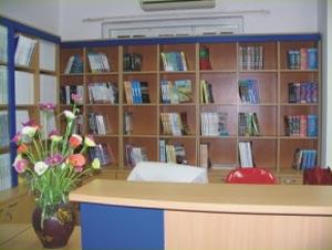 Thư viện với hàng nghìn đầu sách tiếng Anh, tiếng Việt chuyên ngành CNTT